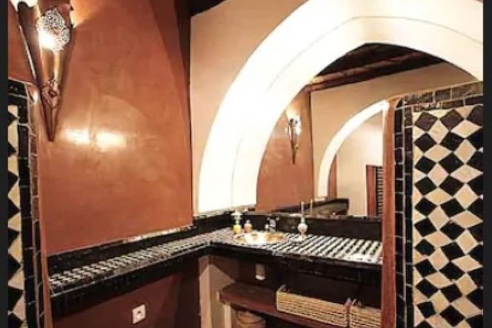 Rom – deluxe (Coupole) - Vask på badet
