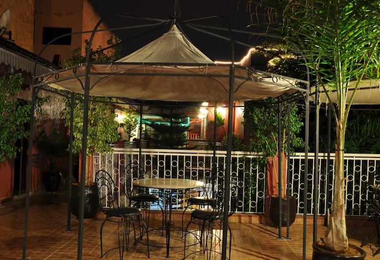 Dar Aliane, Fès, Restauration en terrasse