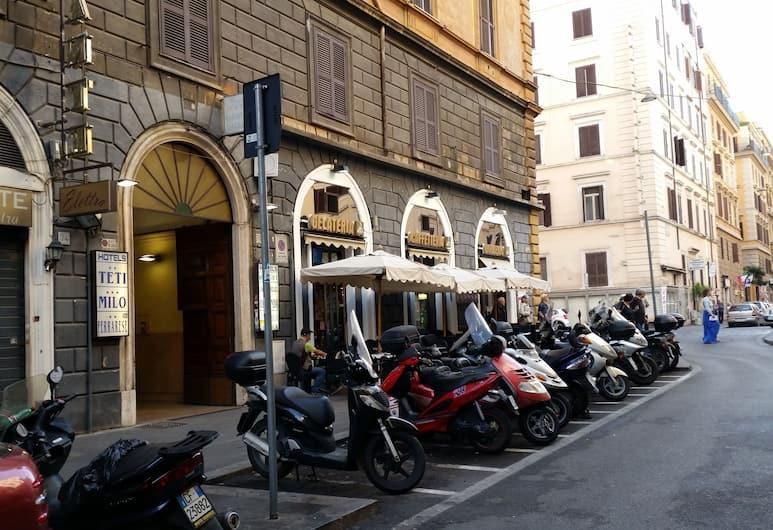 Teti, Rome, Façade de l'hôtel