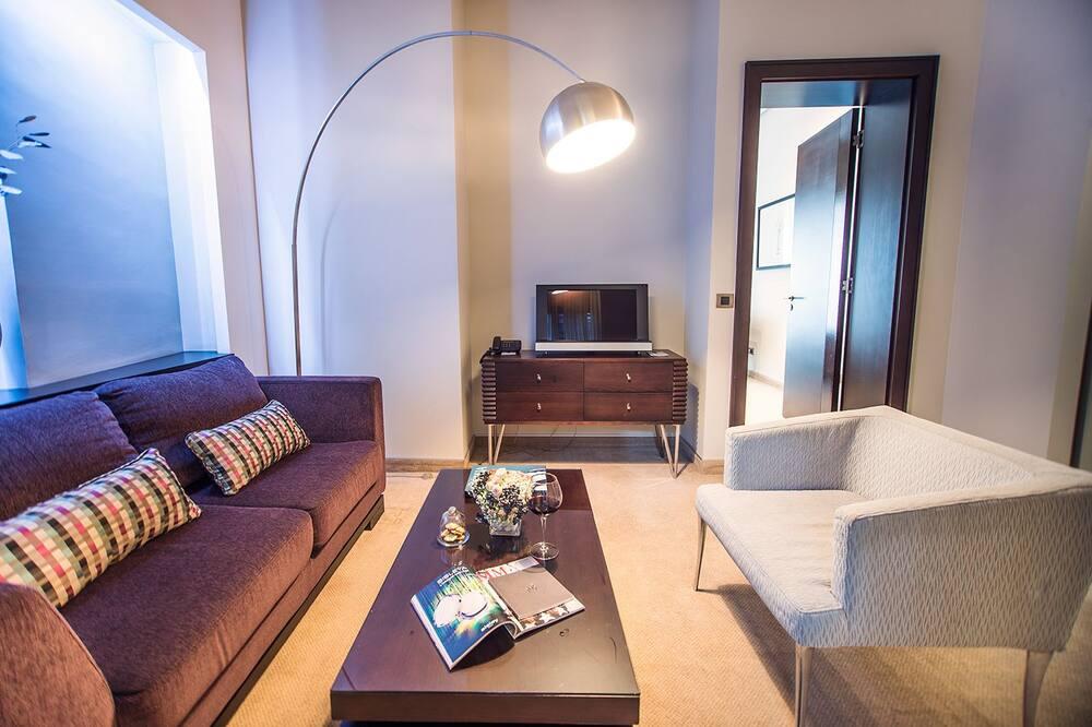 Grand De Luxe Suite - Living Area