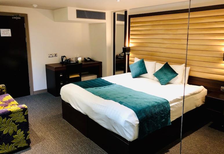 Maitrise Hotel Maida Vale, London, Executive tuba, Tuba
