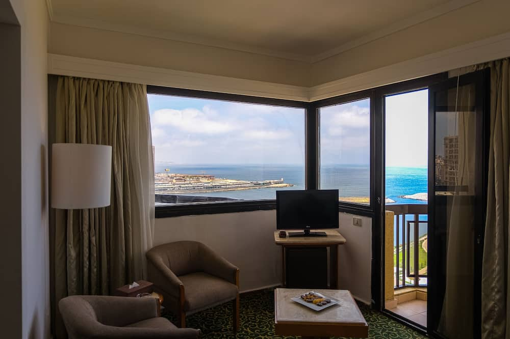Deluxe Suite, Sea View - Living Area