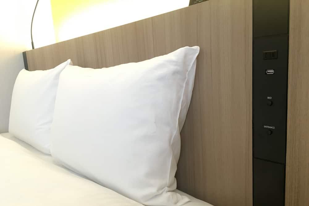 Standard Double Room, Non Smoking (140cm Bed) - Bilik Tamu