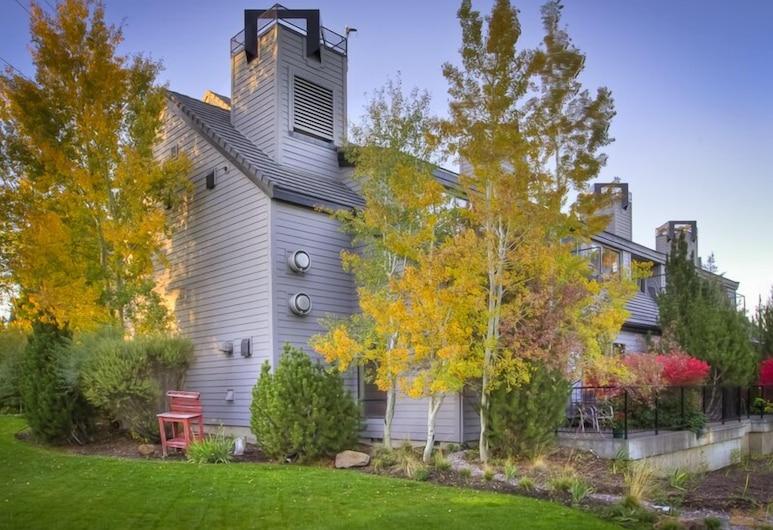 Pine Ridge Inn, Benda, Naktsmītnes teritorija