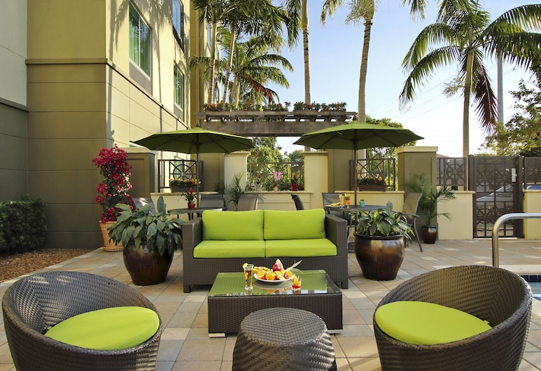 Fairfield Inn & Suites Fort Lauderdale Airport-Cruise Port, Fort Lauderdale, Terrasse/Patio