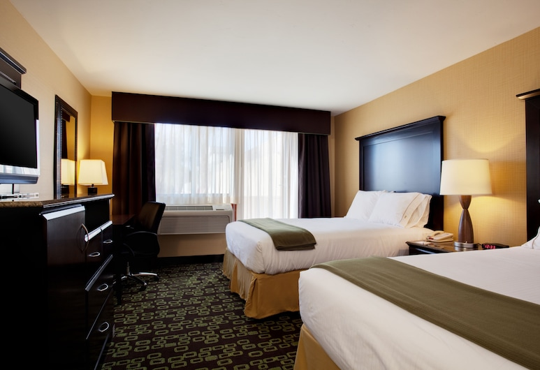 Holiday Inn Express Hotel & Suites Woodland Hills, Woodland Hills, Room, 2 Queen Beds, Non Smoking, Guest Room