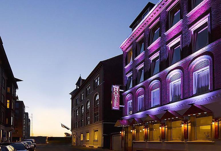 Milling Hotel Mini 19, Odense, Entrada del hotel (tarde o noche)