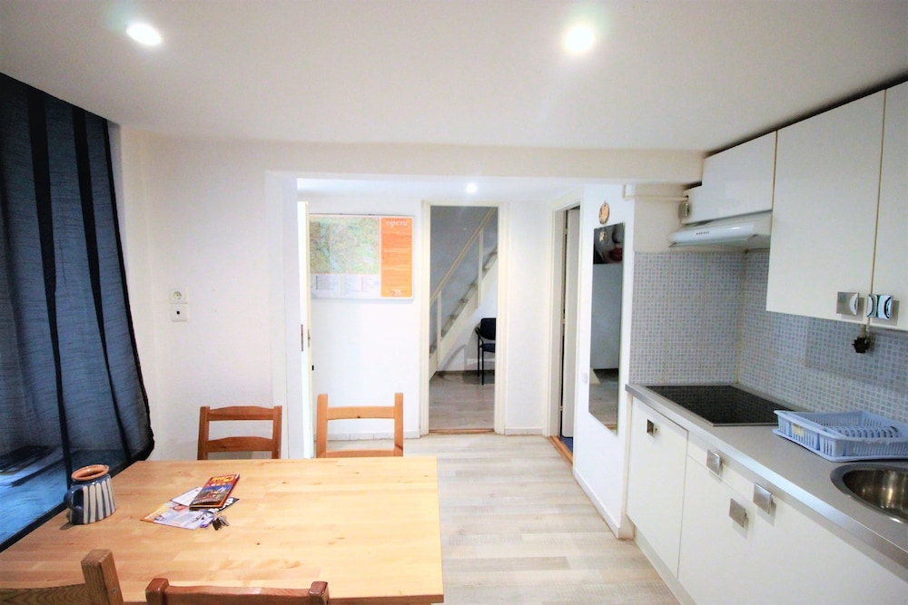 Budapest Easy Flats   Opera Apartments, Budapest, Apartment, 3 Bedrooms,  Kitchen (