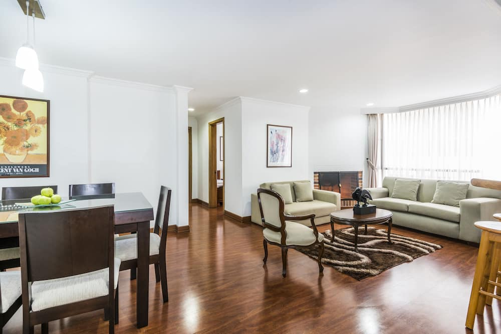 Junior Apartment, 2 Bedrooms - Living Room