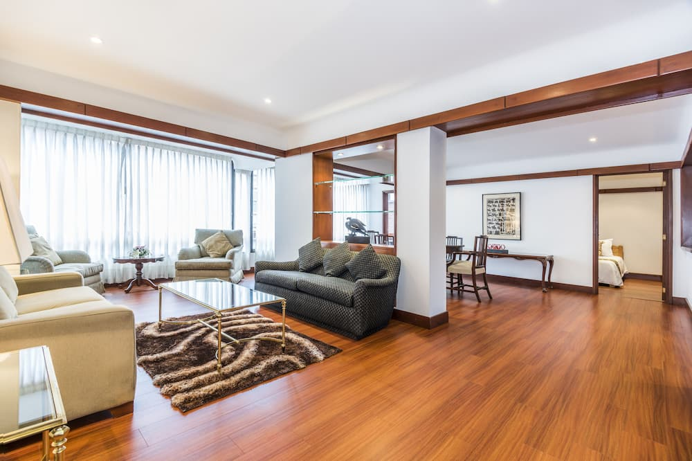 Family Apartment, 2 Bedrooms - Living Room