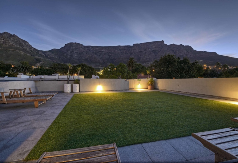 The Three Boutique Hotel, Cape Town, Sundeck
