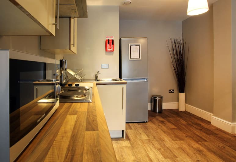 City Warehouse Aparthotel Manchester, Manchester, One Bedroom Apartment (sleeps 2), Private kitchen