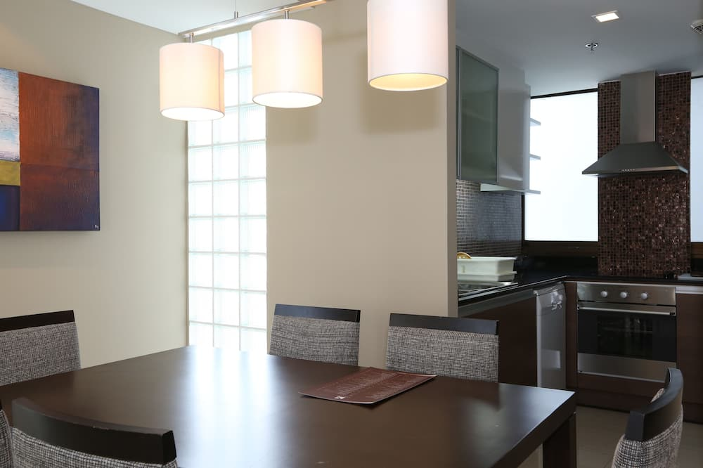 Superior Studio, 1 Bedroom - In-Room Dining