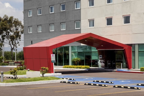 宜必思北阿瓜斯卡達特斯酒店/