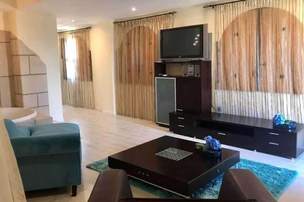 Superior Grand Luxury Suite with Bathtub - Living Room