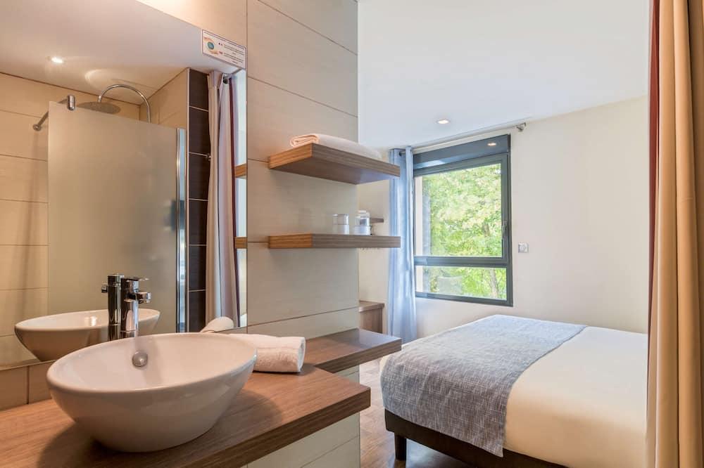 Номер «Комфорт», 1 двуспальная кровать «Квин-сайз», для некурящих (Twin bed on request) - Ванная комната