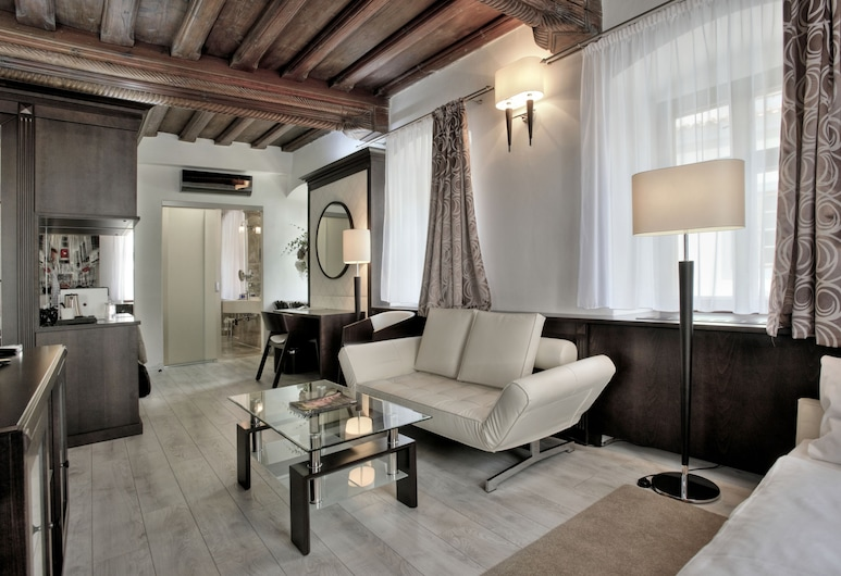 Hotel Grand, Cesky Krumlov, Triple Room (Depandance  - Panská Street), Guest Room