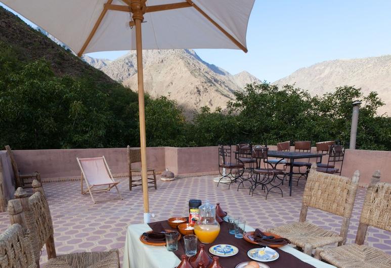 Riad Oussagou, Asni, Obiekty restauracyjne na zewnątrz
