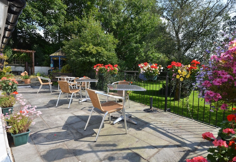 Southview Guest House and indoor pool, Windermere, Terrass
