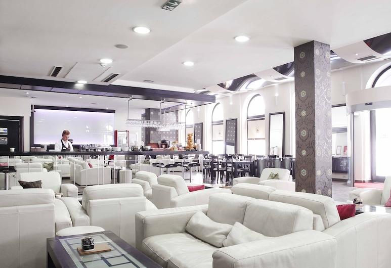 中央酒店 , 沙拉耶佛, 酒店酒吧
