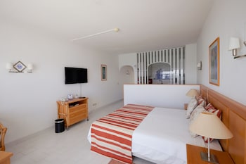 Picture of Oura View Beach Club - Apartments in Albufeira