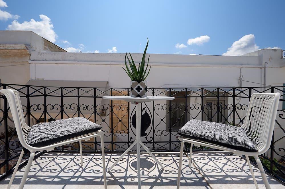 Classic Suite, 1 Katil Ratu (Queen), Balcony, City View - Bilik Tamu