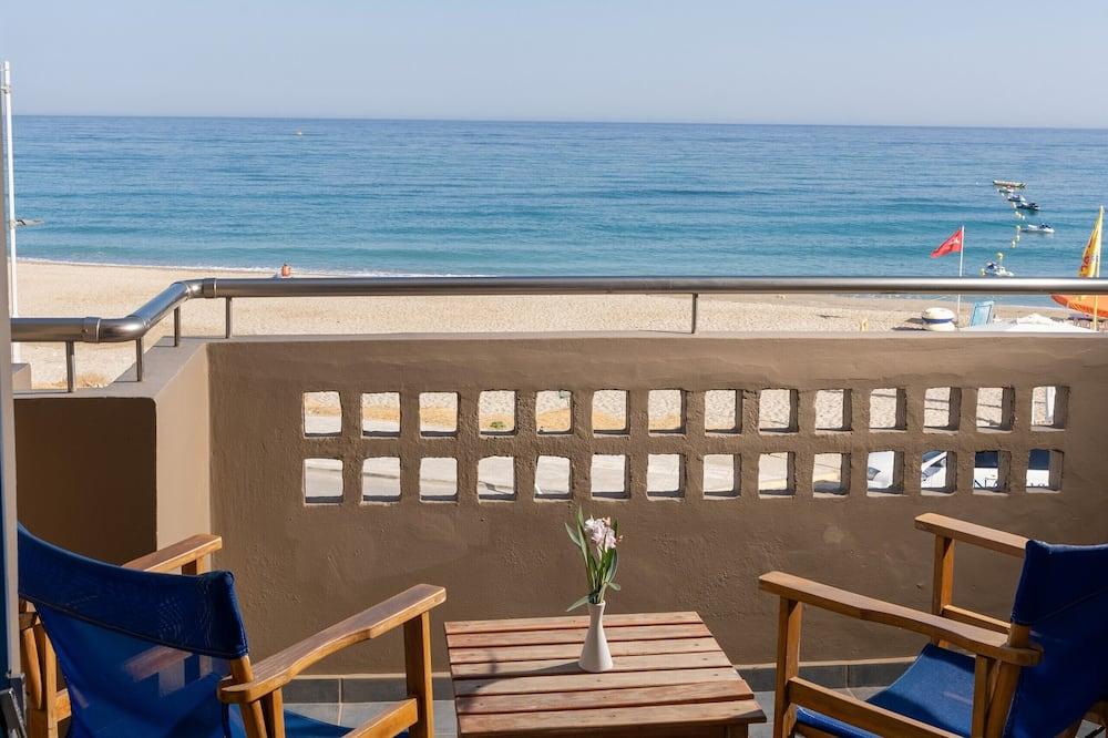Семейные апартаменты, 2 спальни, вид на море - Вид на пляж/ океан