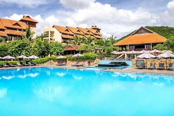 Enter your dates to get the Phan Thiet hotel deal