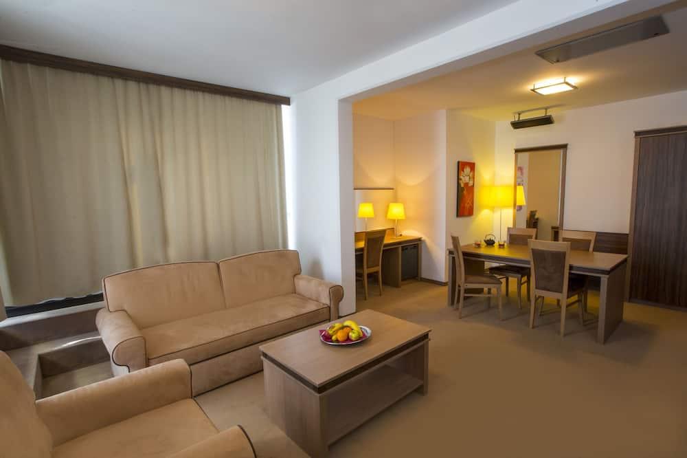 Junior Suite, Balcony, City View - Living Area