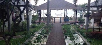 Mynd af Golden Pine Beach Resort & Spa í Pranburi