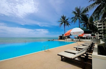 Foto van Golden Pine Beach Resort & Spa in Pranburi