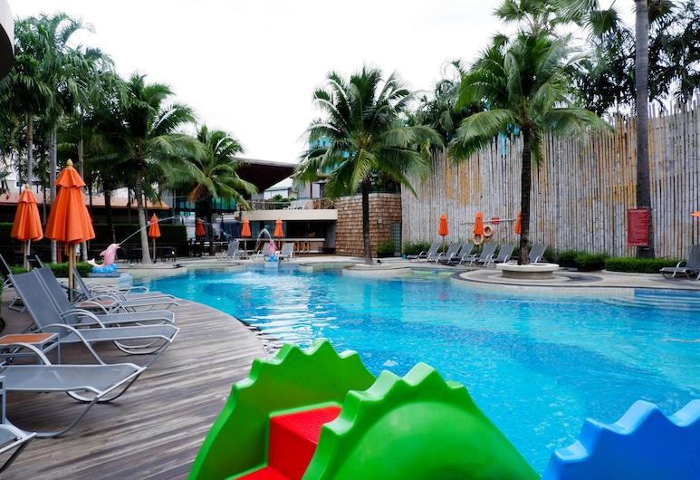 The Beach Boutique House, Karon, Outdoor Pool