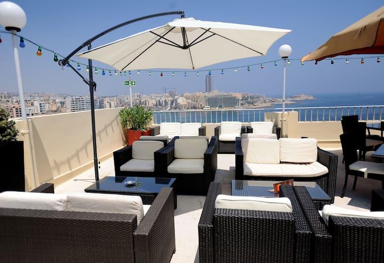 Plaza Regency Hotels, Sliema, Terasa/trijem