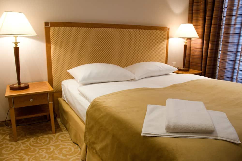 Standard Double Room Single Use - Living Area
