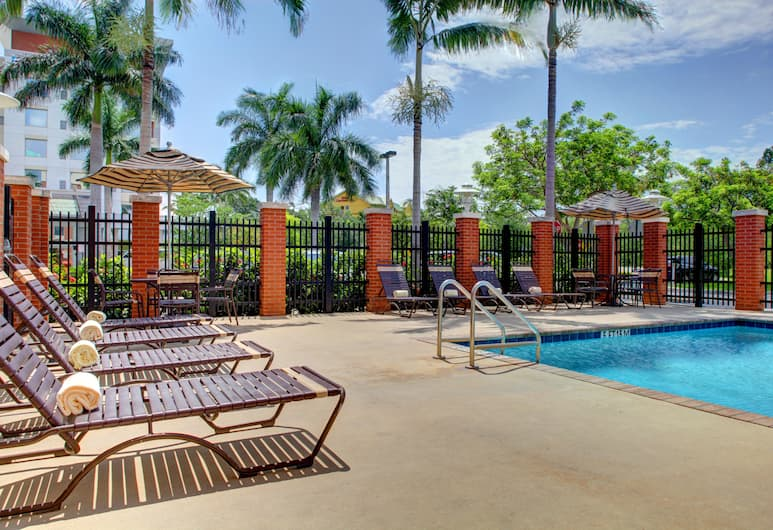 Hyatt Place Ft. Lauderdale Airport & Cruise Port, Dania Beach, Pool