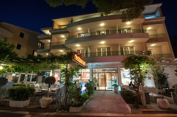 Picture of Hotel Maritimo in Makarska