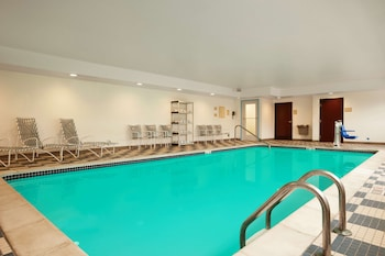 Picture of Country Inn & Suites by Radisson, Dearborn, MI in Dearborn