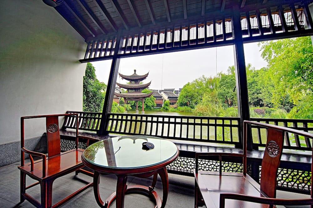 Water Villa, 1 King Bed (Lake View) - Balcony
