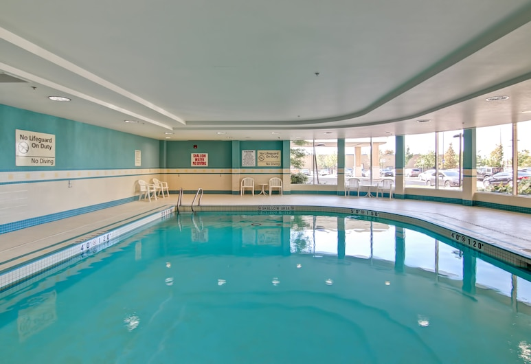Homewood Suites by Hilton Toronto Airport Corporate Centre, Toronto, Indoor Pool