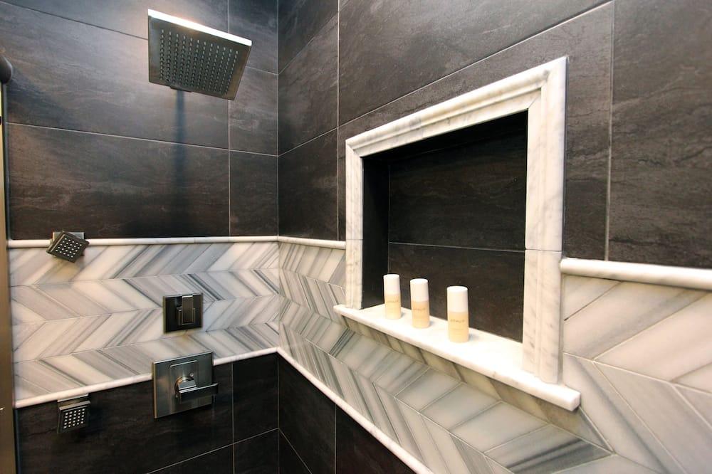 ルーム クイーンベッド 1 台 - バスルーム