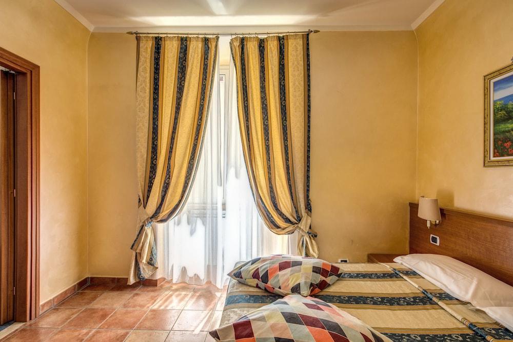 瑪麗琳酒店, Rome