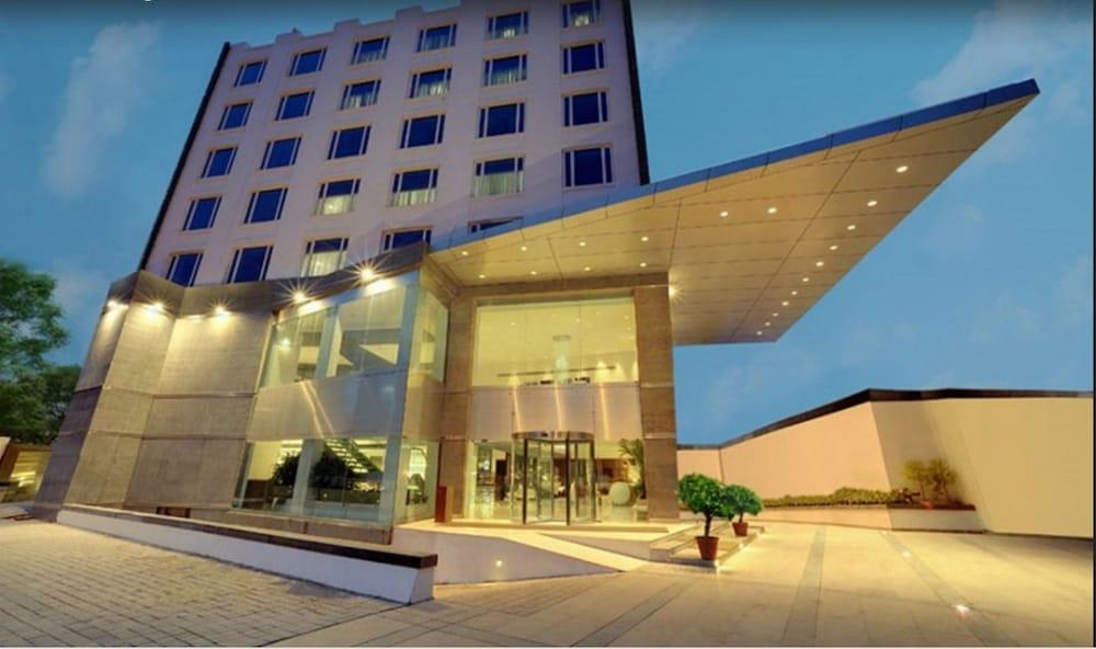 The Pride Hotel, Bengaluru