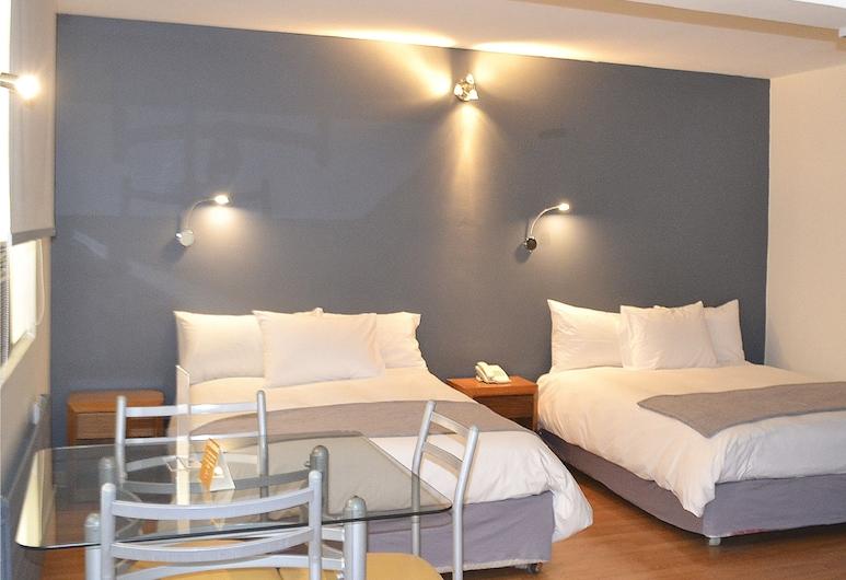 Hotel Nippon, Santiago, Triple Room, Guest Room