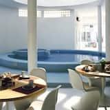 室內游泳池