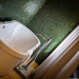 Luxury Studio Suite - Private spa tub