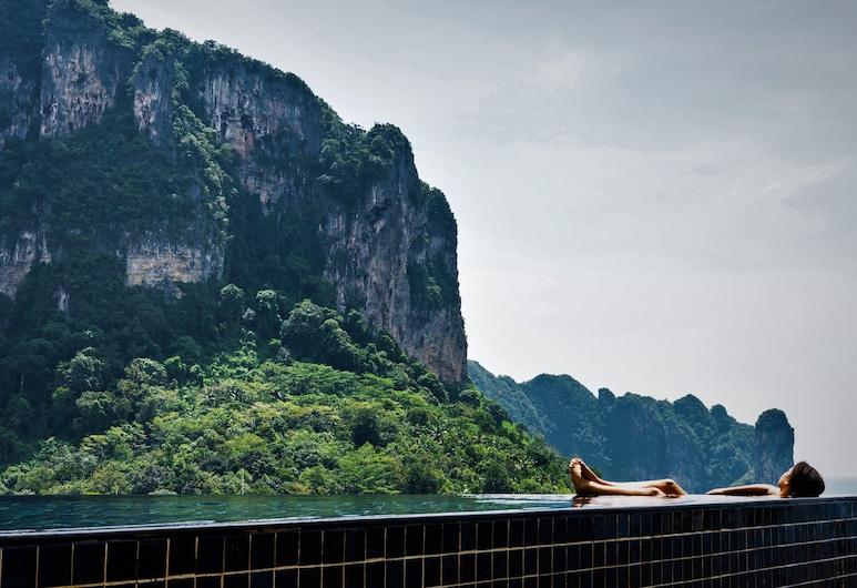 Avani Ao Nang Cliff Krabi Resort, Krabi, Infinity Pool