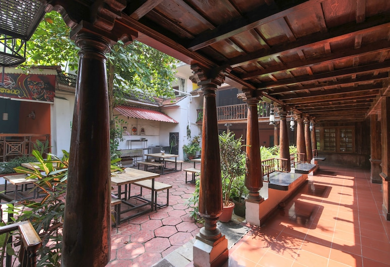Rossitta Wood Castle, Kochi, Outdoor Dining