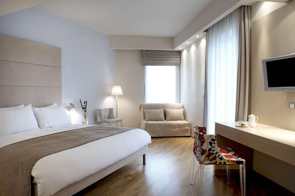 חדר ג'וניור, מיטה זוגית וספה נפתחת - חדר אורחים