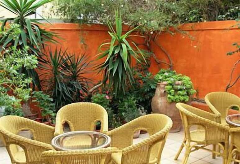 Savoy Hotel, Rodas, Terraza o patio
