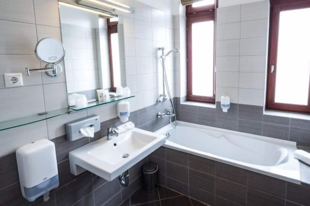 Tek Büyük Yataklı Oda - Banyo